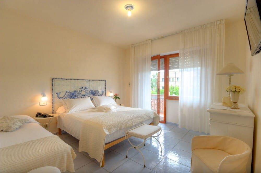hotel sirolo conero hotel emiliana hotel riviera del conero. Black Bedroom Furniture Sets. Home Design Ideas