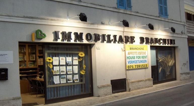 Agenzia immobiliare numana conero agenzia immobiliare immobiliare branchini agenzie - Agenzia immobiliare gonzaga ...
