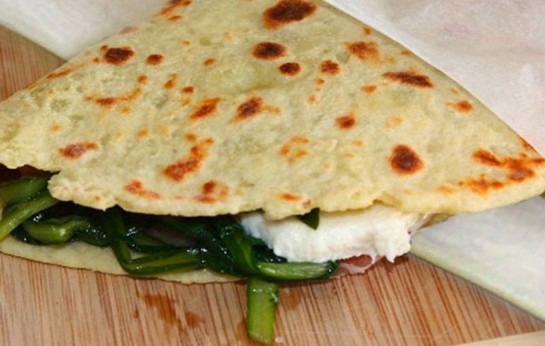 "The ""crescia"" of Offagna, a traditional flat bread"