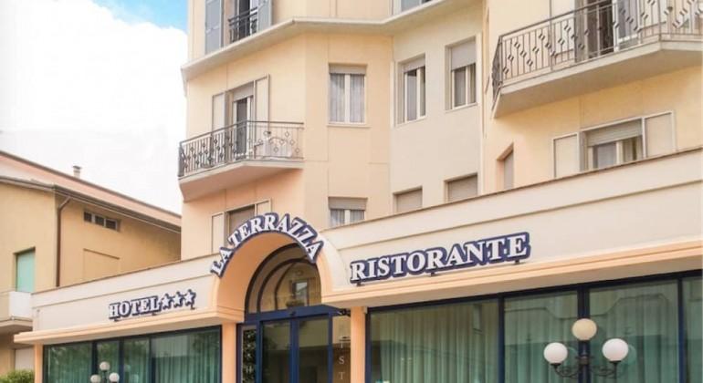 Hotel Potenza Picena Conero   Hotel La Terrazza ...