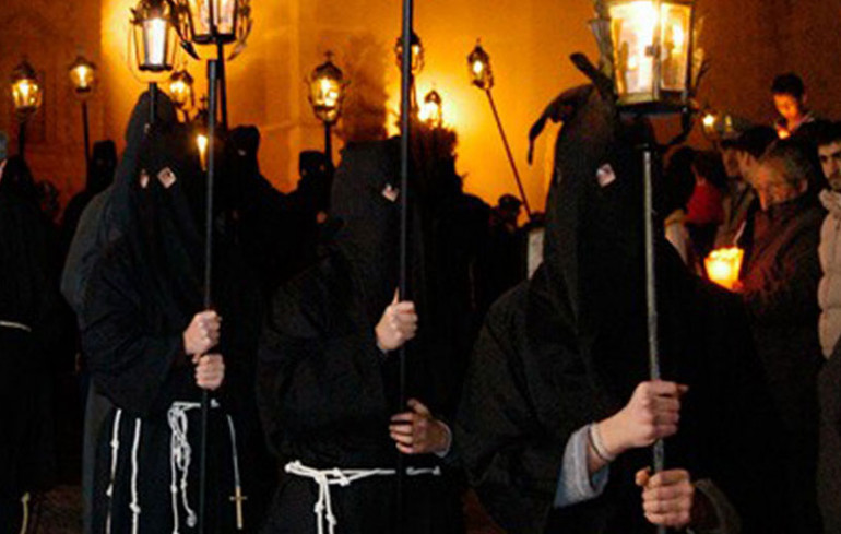 "The procession of ""Sacconi"" in Osimo"